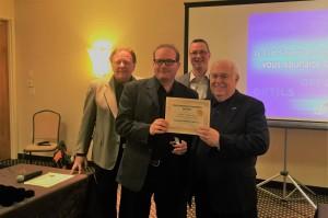 Moi, entouré de Ray Vincent, Yvan Cournoyer et M Jacques Lépine après un coaching immobilier de 10 mois.